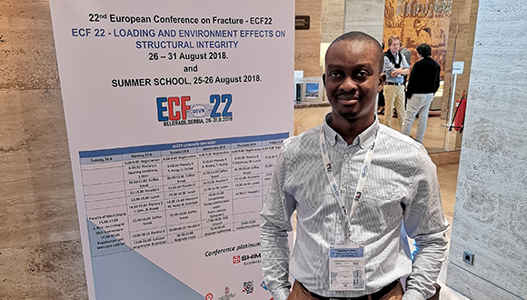 Aderinkola presenting his research at the European Conference on Fracture. Photo: Aderinkola Alabi