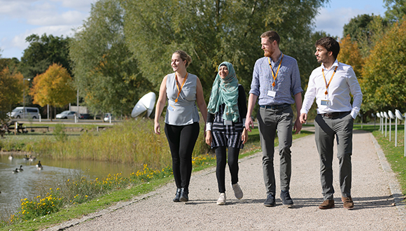 580x330-nsirc-students-by-the-lake