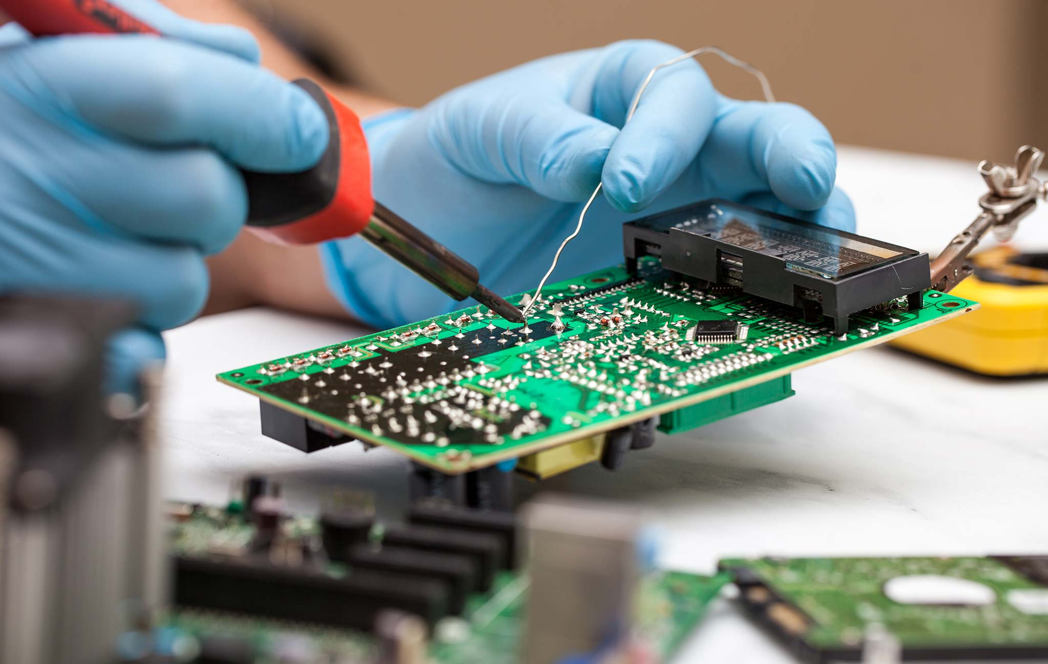 What is Soldering? A Full Guide (Meaning, Definition and Types) - TWI