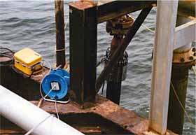 Fig.7. Inspection of offshore risers in Lake Maracaibo