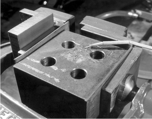 Fig.3 Modified CTS top block set up for preheating by electrical resistance