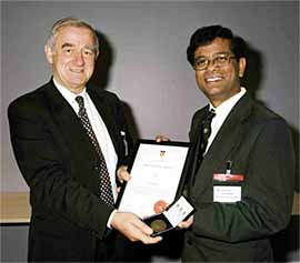 Bevan Braithwaite presenting Dr Babu with the Lidstone Medal
