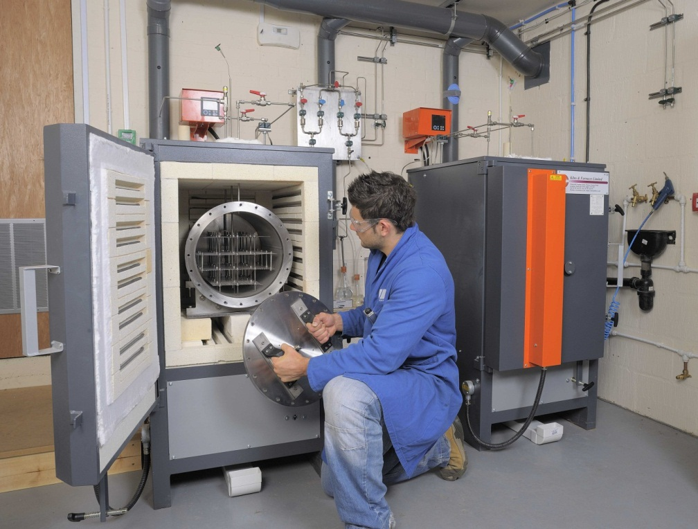 High temperature test facility assesses material performance in hydrogen chloride environments