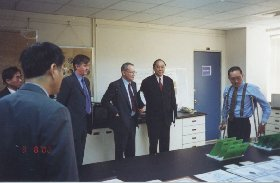 Lord Sainsbury and Professor Lieu being shown the results of the TWI/ITRI technology transfer programme on Pb-free solder pastes by Norman Stockham (TWI) and Shih-Hsien Wu (ITRI)