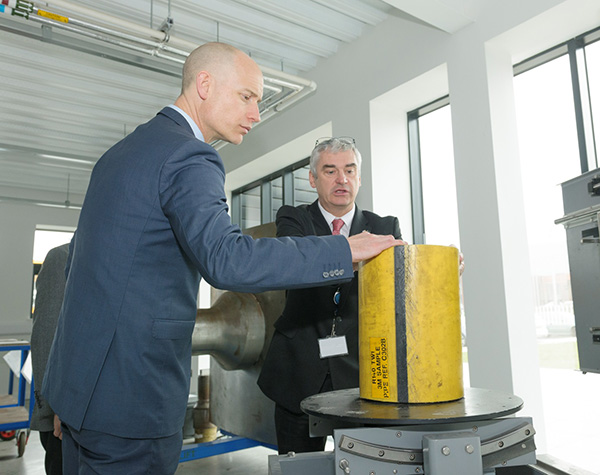 Stephen Kinnock MP and TWI Wales Regional Manager Philip Wallace discuss non-destructive testing requirements for flexible risers.